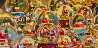 Weihnachtsschneekugeln
